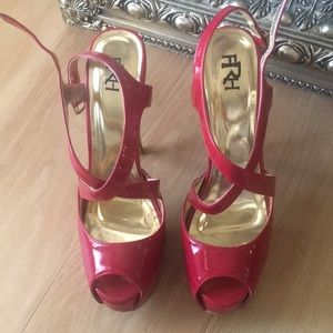 Shoes - Platform high heels